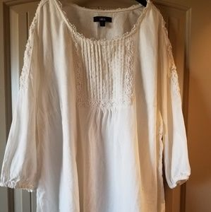 Pretty lace boho chic white linen tunic.